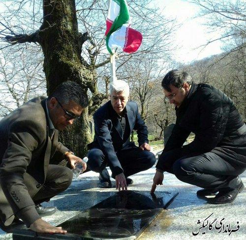 گلزار شهدای شهر جدید صادقآباد عطر افشانی شد