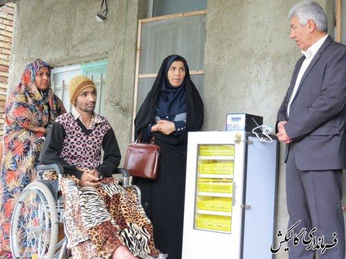 پنج دستگاه جوجه کشی به معلولین ضایعه نخاعی شهرستان اهدا شد