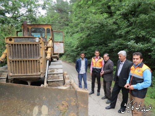 بازدید فرماندار گالیکش از روند بازگشایی مسیر ارتباطی زنبورداران شهرستان در منطقه جنگلی لوه