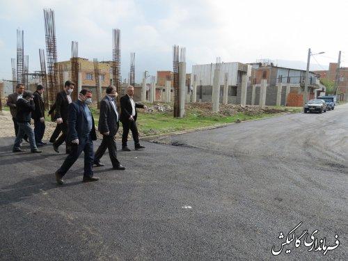 بازدید فرماندار گالیکش از روند اجرای عملیات آسفالت معابر سطح شهر