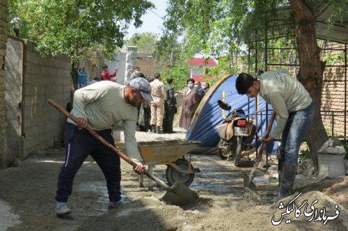 بازدید فرماندار و اعضای قرارگاه محرومیتزدایی شهرستان گالیکش از احداث کانال بتنی در محله اوغان